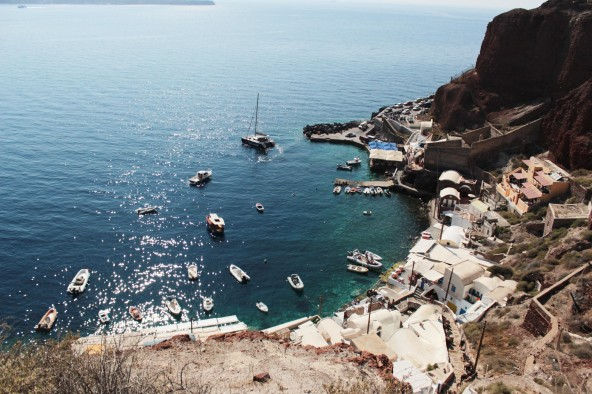 How fantastic to have a boat in this Santorini bay